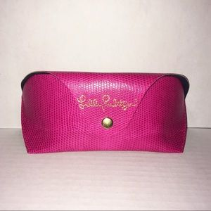 Lily Pulitzer Pink Textured Soft Glasses Case